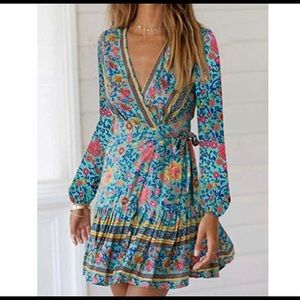 Dresses & Skirts - V-Neck Bohemian style dress